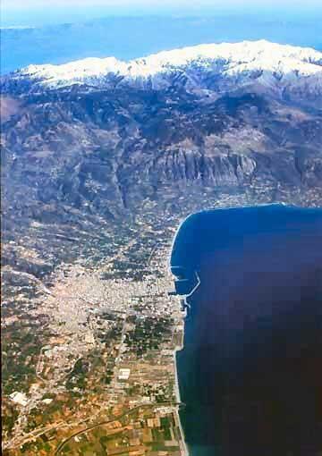 Luftbild vom Hafen Kalamata