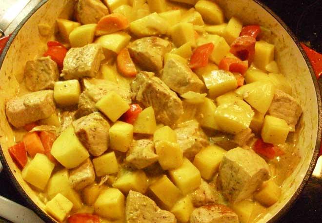 Steckrüben mit Karotte, Zwiebeln, Paprika, Knoblauch und Kartoffeln