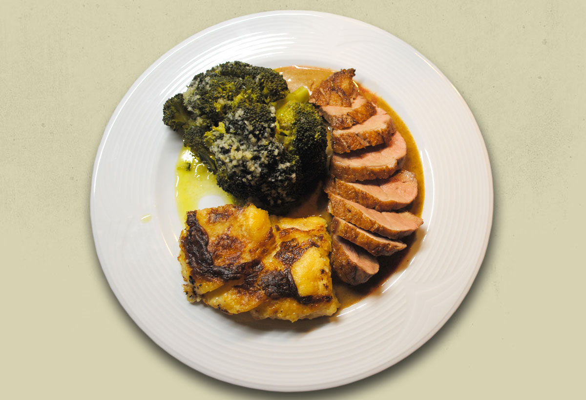 Entenbrust mit Katoffelgratin und mariniertem Broccoli