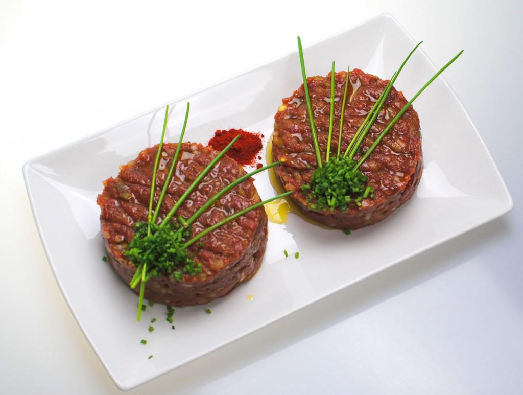 Tatar oder scherzhaft Karnevalsfleisch